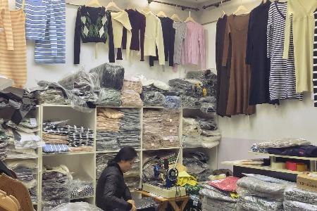 本土服饰行业市场营销锦囊:微信生态 社交电商